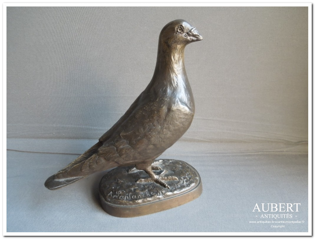 pigeon en bronze patine brune signe A. Laplanche grandeur nature achat antiquites achat brocante vente antiquites vente brocante antiquaire sete antiquaires montpellier brocanteur montpellier brocanteur sete succession debarras antiquites aubert montpellier fabregues sete beziers gigean antiquaire aubert brocante aubert brocanteur aubert